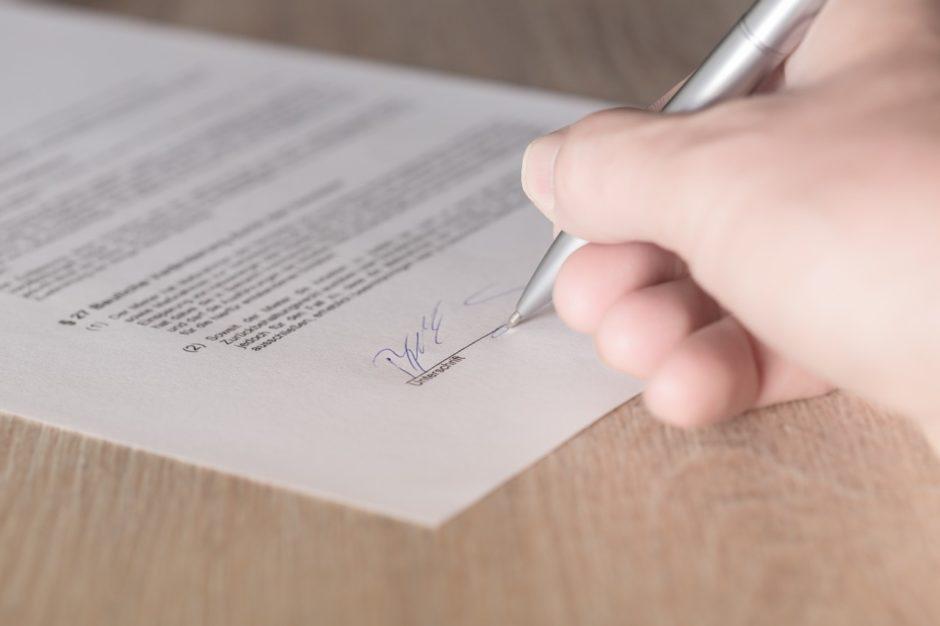 soprusi e contratti